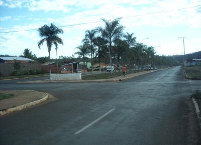 Avenida Juracy Lucas é a principal via para chegar ao estado de Goiás.Bruna Girotto