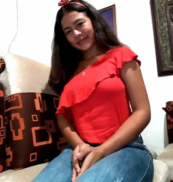 Durante um ano Cassilândia receberá a jovem Helen. Ela é da Colombia e participa do programa Intercâmbio de Jovens do Rotary Club de Cassilândia. Já há alguns anos o Rotary traz e envia jovens para o exterior onde participam da comunidade e estudam.