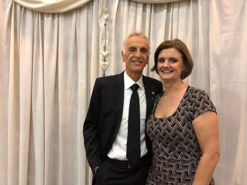 O médico Carlos Geremonte e a esposa enfermeira Márcia