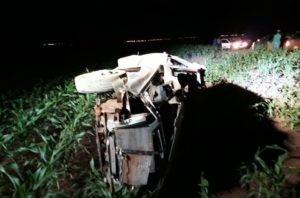 Capotamento de Uno deixa jovem motorista inconsciente em Chapadão do Sul