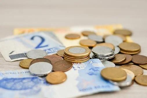 Covid-19: em tempo de coronavírus saiba como manusear moedas e notas de dinheiro