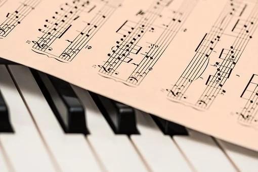 Do tenor Andrea Bocelli aos sertanejos, confira as lives deste domingo