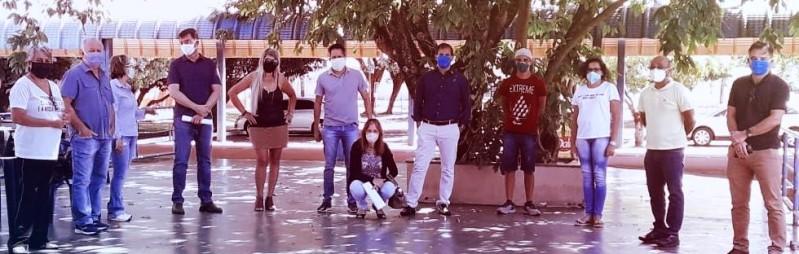 Reunião presencial de membros respeitou exigência de máscaras de proteção