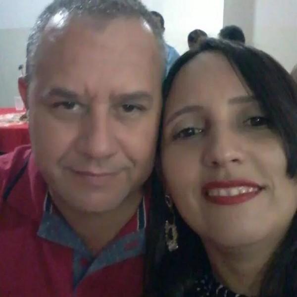 Trajano e a esposa Gildete