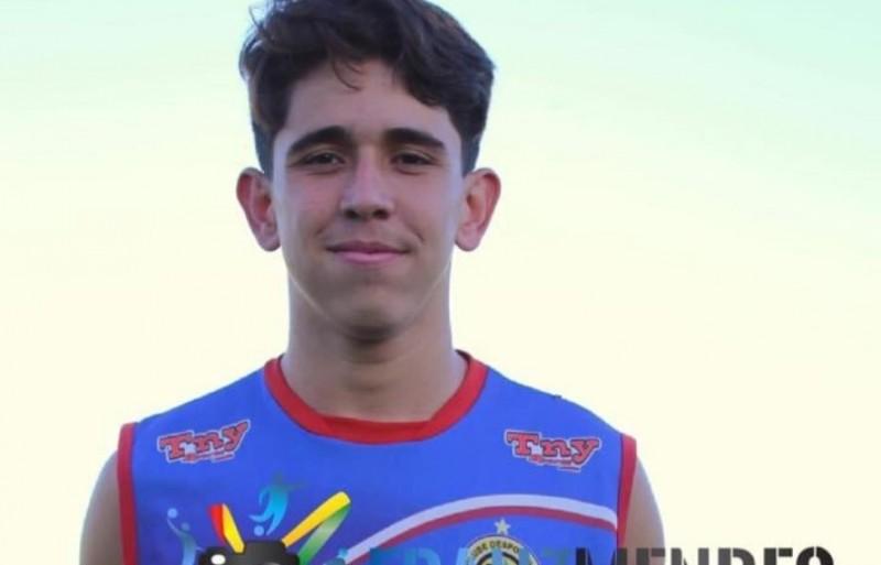Durante jogo de futebol, filho de vereadora passa mal e morre em Costa Rica