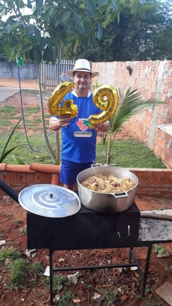 Luiz Antonio, do jornal A Gazeta, comemorou 49 anos de idade. E virou notícia. Parabéns.
