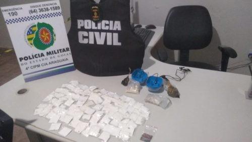 Polícia prende em flagrante mulher que teria encomendado drogas pelos Correios