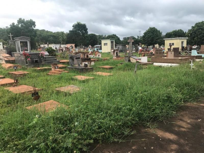 Caminhando por Cassilândia: fotos do cemitério