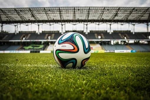 São Paulo atropela o Atlético Mineiro e abre na liderança do Brasileirão