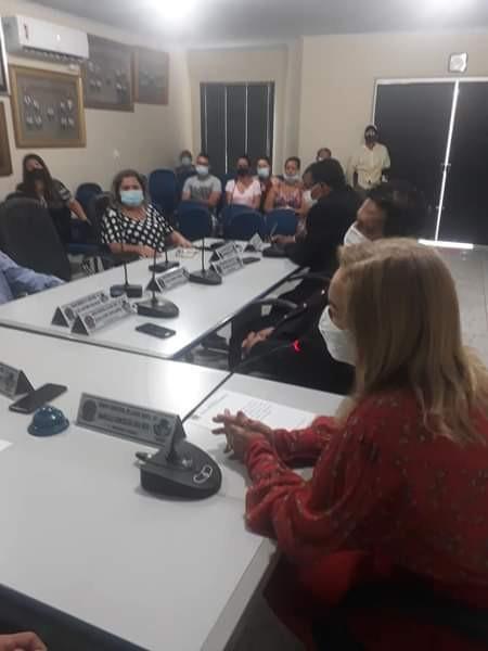 Tomou posse agora na Câmara de Lagoa Santa, a vice prefeita Nucia Kelly, agora prefeita de Lagoa Santa, até o dia 31 de dezembro de 2020. A posse atendeu chamado da justiça devido ao afastamento do prefeito municipal Adivair Macedo.