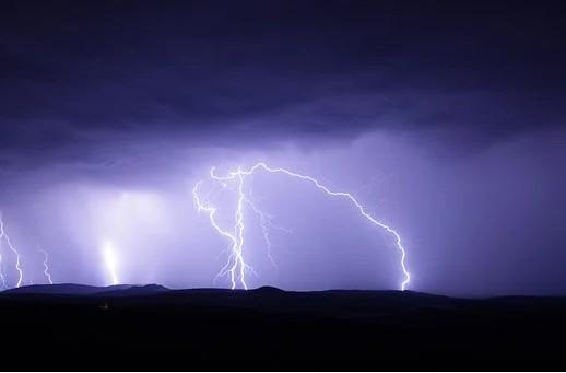 Verão começa com previsão de tempo fechado nesta semana em MS