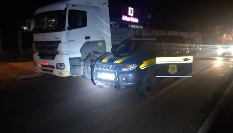 Casal é preso após manter vítimas em cativeiro para roubar caminhão em MS