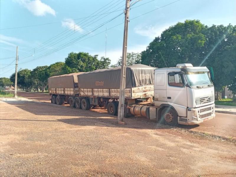 A carga foi recuperada, três suspeitos presos e outros supostos envolvidos identificados - Foto por: PMMT