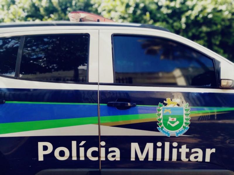 PM prende homem por resistir com duas facas à ação policial em Paranaíba