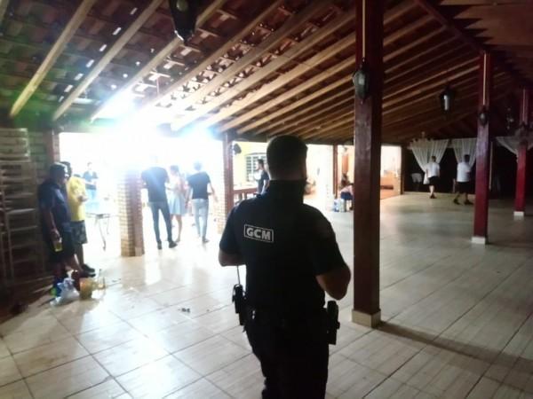 Festa clandestina foi encerrada em Rio Preto — Foto: Divulgação/GCM