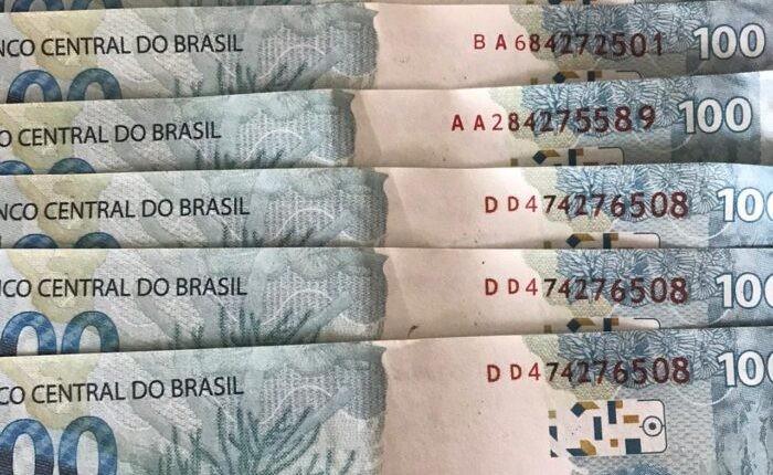 Notas falsas de R$ 100,00 estão circulando na cidade, alertam comerciantes