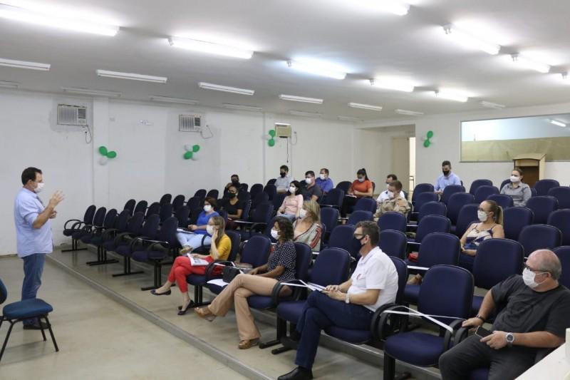 Comitê da Covid-19 decide por enrijecer medidas para frear avanço da pandemia
