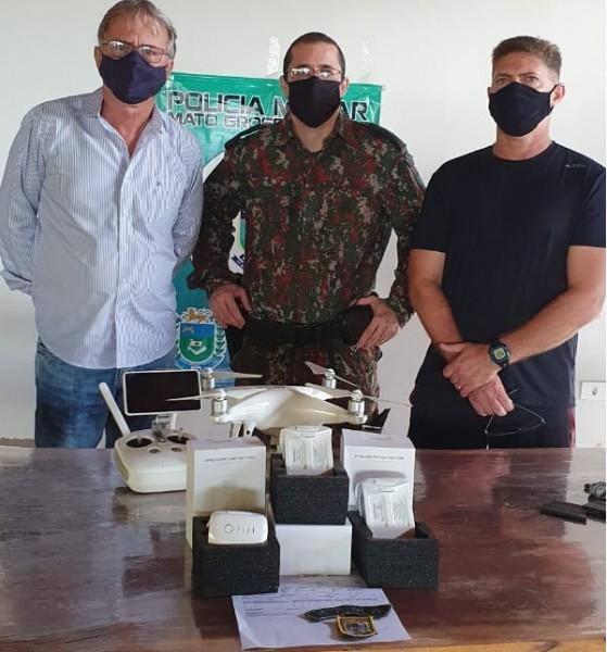 Da esquerda para a direita: Tesoureiro do Conselho, Silvone Barbosa, Comandante da Polícia Militar Ambiental Calegari e o Presidente do Conselho de Segurança Lizandro Tolentino.