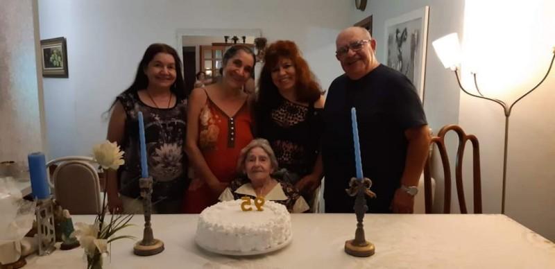 Fotogaleria: o aniversário de 95 anos da primeira professora de Cassilândia