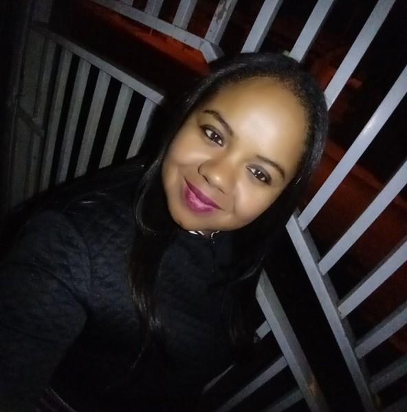 Renata faleceu na última terça-feira, vítima da covid-19 - Foto: Reprodução/Facebook
