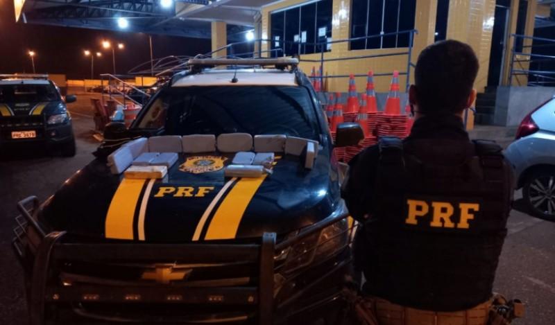 PRF encontra cocaína em ônibus, em Rio Verde