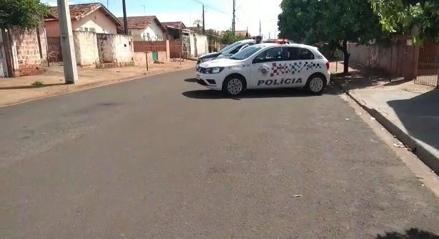 Feminicídio: homem mata esposa degolada e comete suicídio em Pereira Barreto