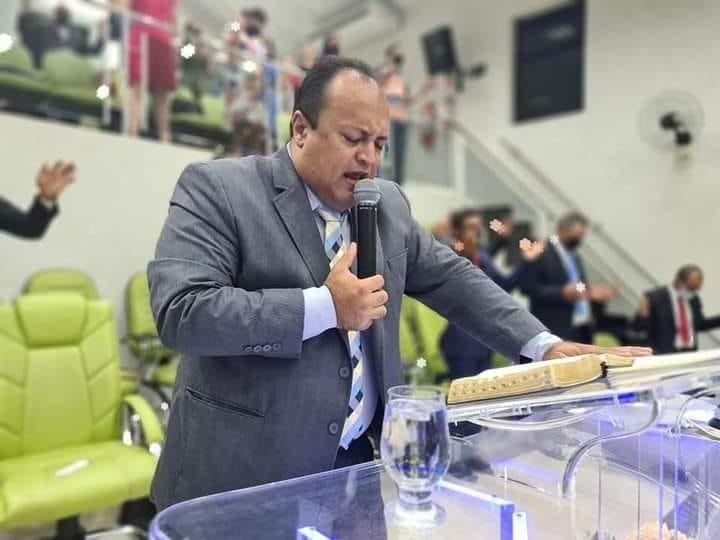 Fotogaleria: membros da Igreja e amigos homenageiam Pastor Clodoaldo