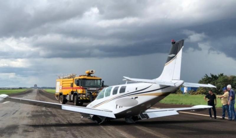 Fotogaleria: avião monomotor faz pouso de emergência em Rio Verde