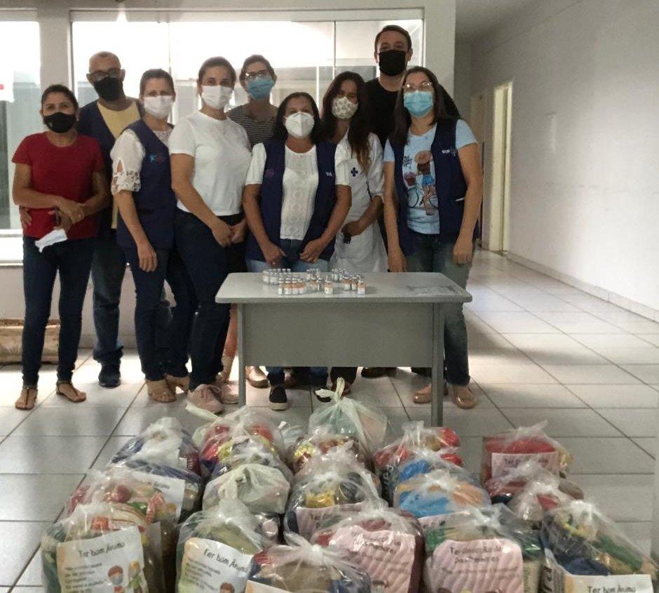 Fotogaleria - Doação voluntária de alimentos na vacinação contra a Covid vai alimentar famílias
