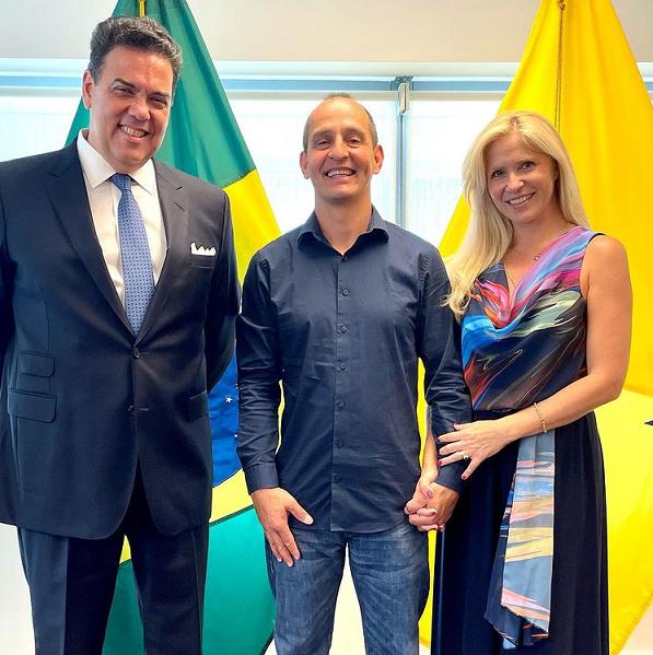 Cassilandense radicado nos EUA expõe obras no Consulado do Brasil em Miami