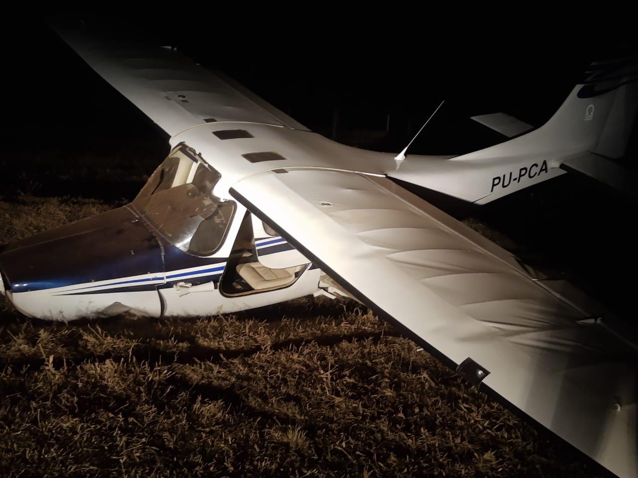 Chegam as primeiras fotos do avião que fez pouso forçado em Cassilândia