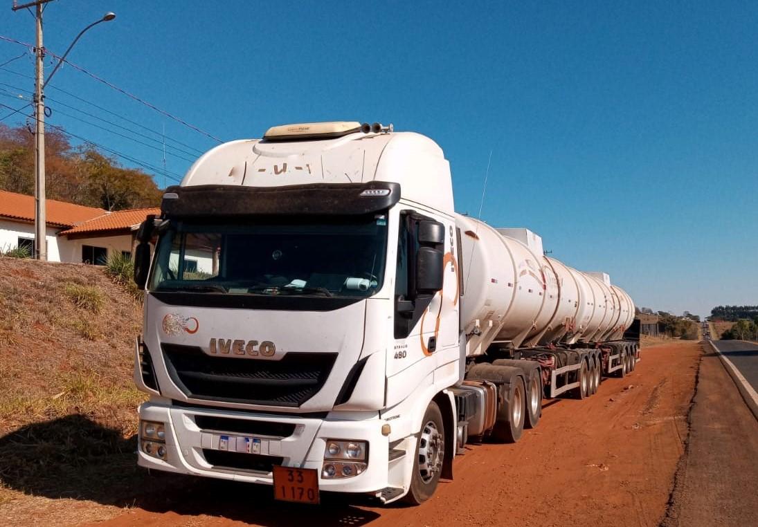 PMA autua empresa por transporte irregular de 59 mil litros de etanol