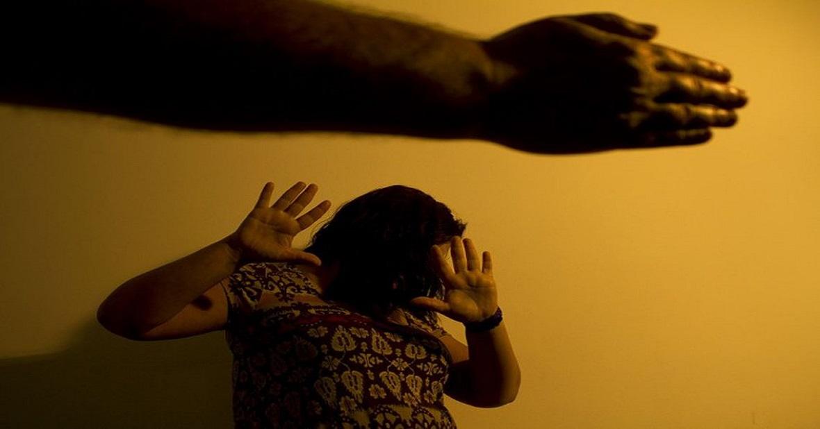Mãe liga para filha pedindo socorro após ser espancada por namorado em MS