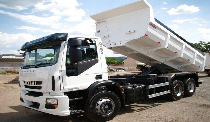 Contran divulga novas regras para sistema de segurança de caminhões basculantes