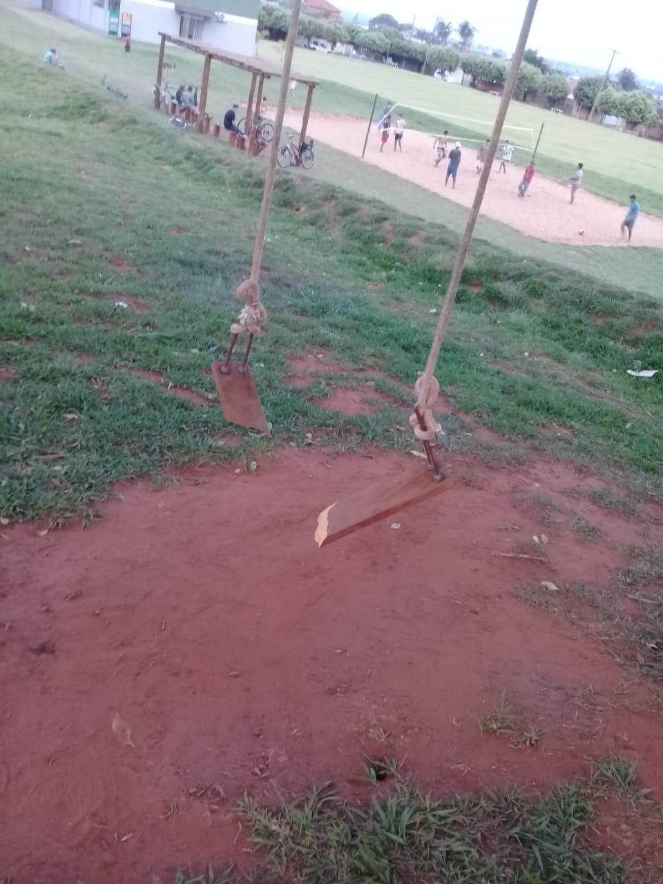 Cassilândia: leitora lamenta balanço quebrado no Jardim Campo Grande