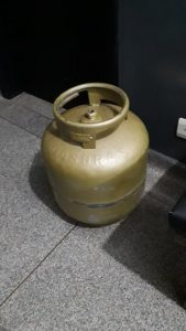 PM prende homem logo após ele furtar botijão de gás de uma residência
