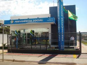 Congresso derruba veto de Bolsonaro e retoma suspensão da prova de vida do INSS