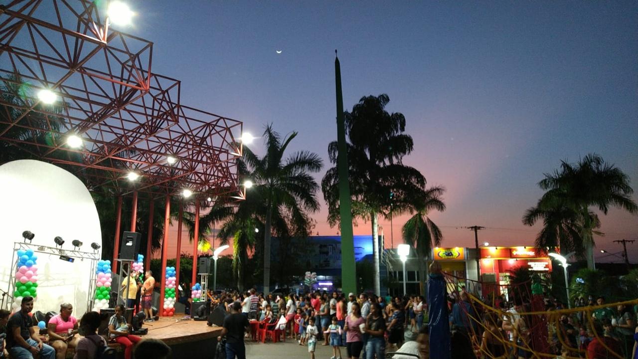 Fotogaleria: Município comemorou o Dia das Crianças na Praça e nas Escolas
