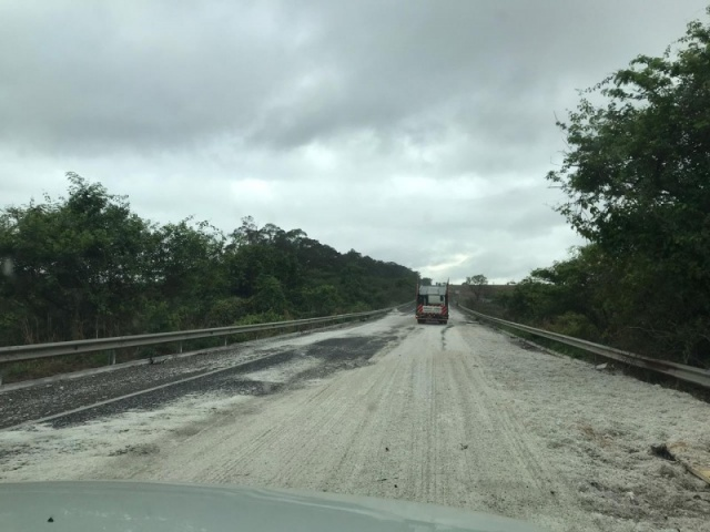 Acidente com carreta na BR 158 em frente a Fazenda Barra