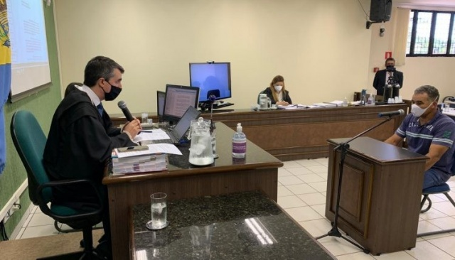 Acusado durante o julgamento (Foto: MS Todo Dia)